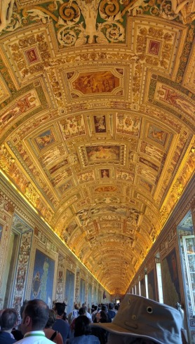 Vatican gold ceiling